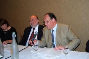 Gerald Steinberg opens Park Avenue meeting